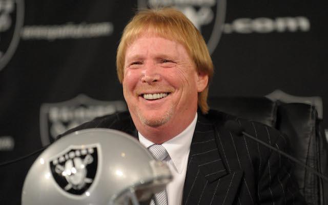 Oakland Raiders Owner Mark Davis Ready for Las Vegas But Goodell Favors Cali