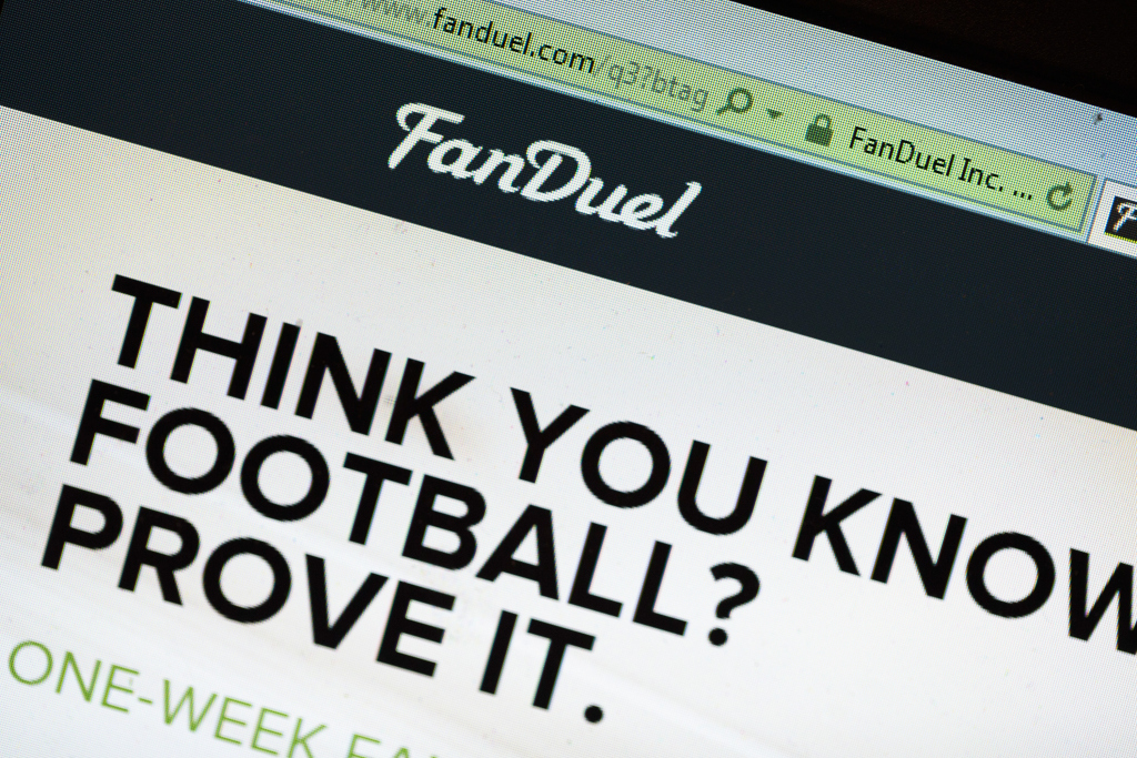 daily fantasy sports NFL DraftKings FanDuel