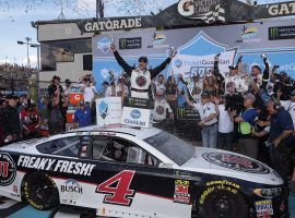 Kevin Harvick won his third consecutive race last week in Phoenix and is trying to go for his fourth this Sunday at the Auto Club 400 in Fontana, CA. (Image: Lionel Racing)