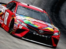 Kyle Busch passed Kyle Larson late at Bristol Motor Speedway to take first in the Food City 500 and win his second straight NASCAR race. (Image: Getty)