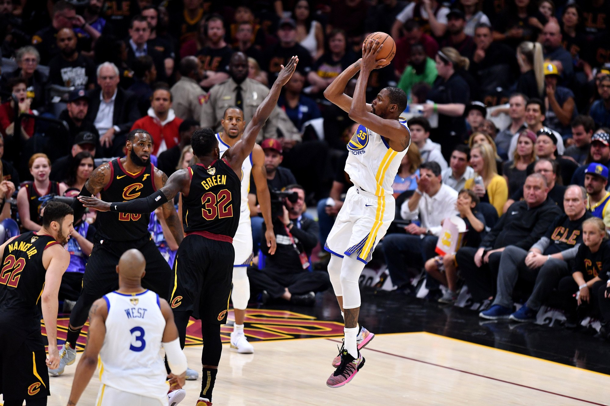 6563bd90655 NBA Finals  Warriors Push Cavs to Brink of Sweep After Game 3 Win