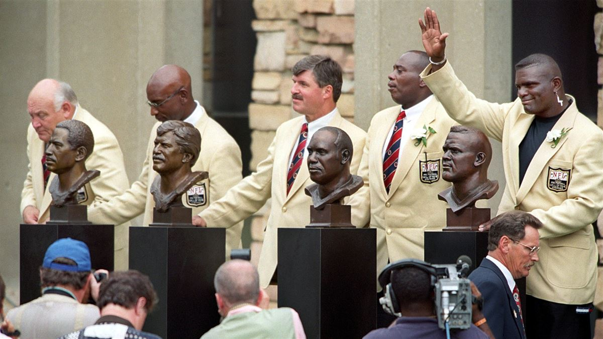 Pro Football Hall of Famers Threaten to Boycott Induction Ceremony Over Lack of Health Insurance