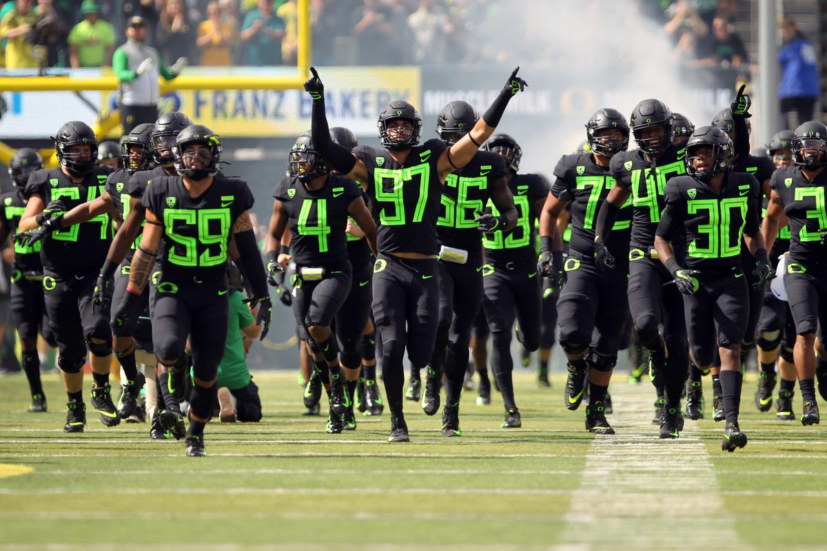 Oregon Hosts Stanford in Key Battle for Undefeated Pac-12 North Rivals