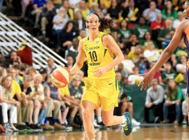 Despite a broken nose, Sue Bird scored 14 points in the fourth quarter to lead the Seattle Storm over the Phoenix Mercury in Game 5 of their WNBA semifinal series. (Image: Joshua Huston/NBAE/Getty)