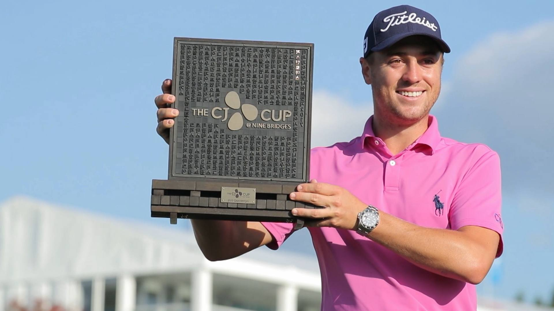 Chez Reavie leads CJ Cup following windy opening round