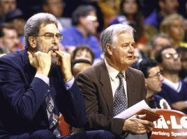 Tex Winter (right) won 9 NBA championships as an assistant coach (Image: AP)