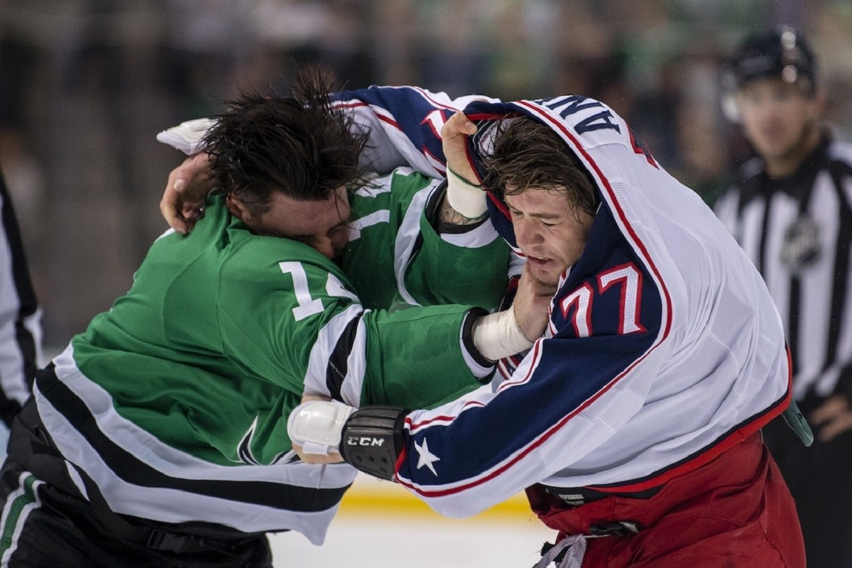 WATCH: Jamie Benn and Josh Anderson in Old School Hockey Fight (VIDEO)