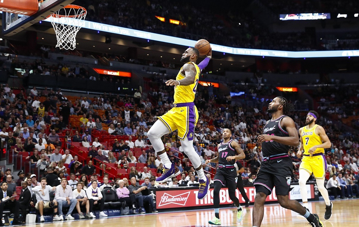 LeBron James Explodes for 51 Points Against Ex-Team Miami Heat