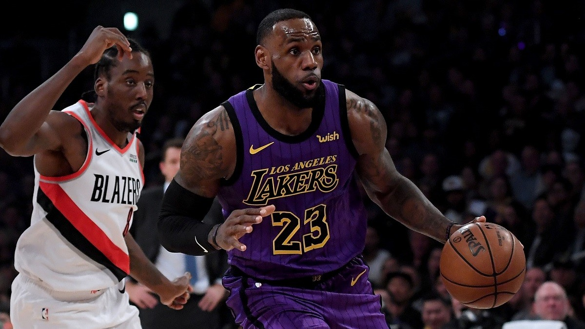 53e88637f601 LeBron James exploded for 44 points against the Blazers and passed Wilt  Chamberlin on the all-time scoring list. (Image  Harry How Getty)