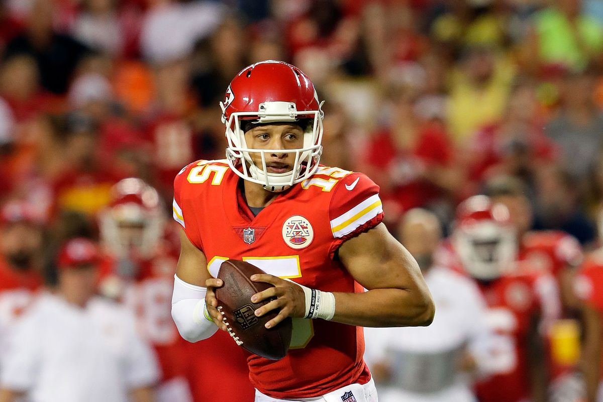 AFC Championship Preview: Patrick Mahomes and Tom Brady in High-Stakes QB Battle