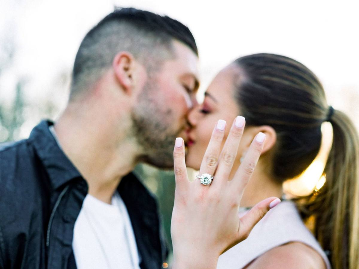 Tim Tebow Engaged To 2017 Miss Universe Demi Leigh Nel Peters