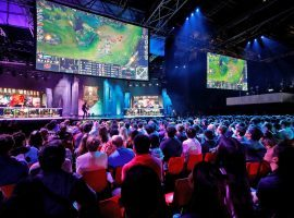 Newzoo estimates that the global esports market will rake in more than $1 billion in revenue in 2019. (Image: Philippe Wojazer/Reuters)