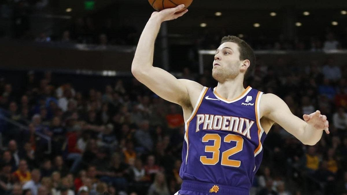 online store d11ab 63007 Jimmer Fredette Signs with Phoenix Suns and Returns to the NBA