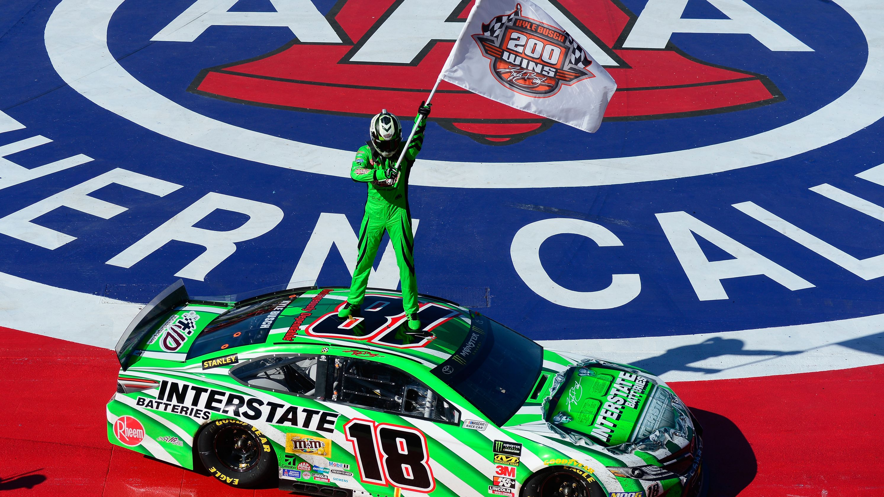 Kyle Busch wins Auto Club 400 for 200th NASCAR victory