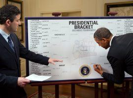ESPN 's Andy Katz interviews President Obama inside the White House in Washington, DC while the president fills out his March Madness bracket in 2013. (Image: ESPN)