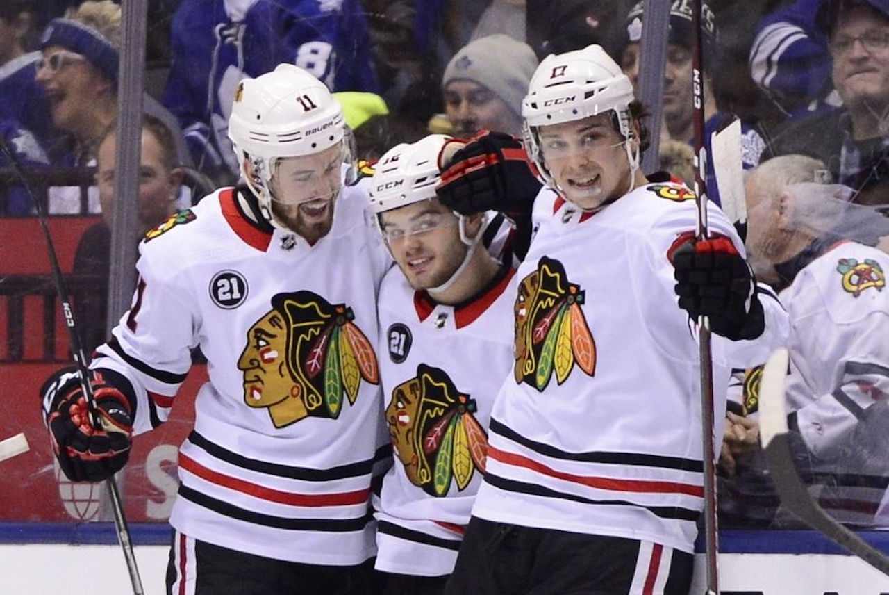 National Hockey League  roundup: Blackhawks build big lead, hold off Leafs