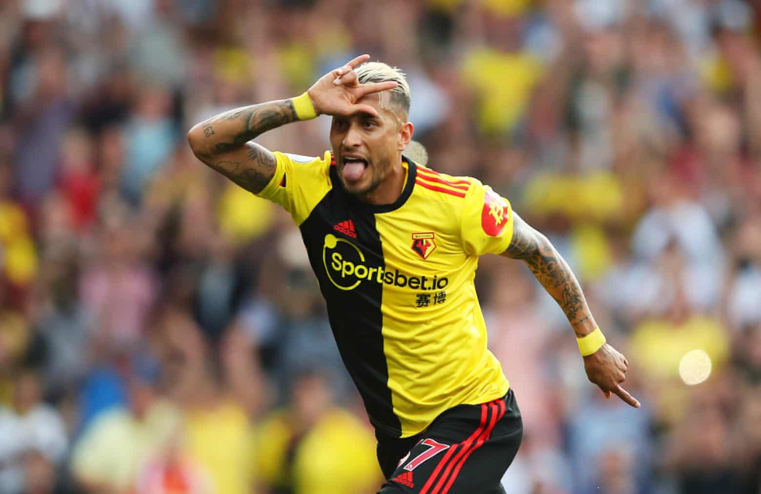 Under Watford's new coach, Pereyra scores, denying Arsenal the win