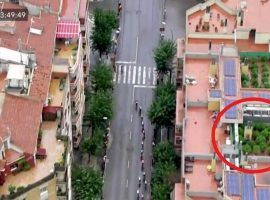 A helicopter TV crew randomly captured footage of a grow operation on top of a building in Igualada, Spain during the 2019 Vuelta a Espana race. (Image: ARA)