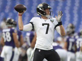 Jaguar quarterback out 10 weeks with broken collarbone.
