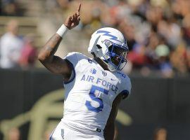 Air Force QB Donald Hammond III celebrates a score against Boise State. (Image: Russell Lansford/USA Today Sports)