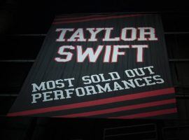 Taylor Swift commemorative banner at the Staples Center gifted to her by AEG and Staples. (Image: Staples Center)