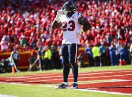 The Houstaon Texans keep feeding the ball to running back Carlos Hyde, which makes his $4,600 DraftKings salary this Sunday one of the best DFS value plays of the weekend. (Image: Houston Texans)