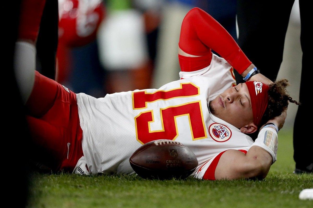 KC Chiefs QB Patrick Mahomes knee injury update