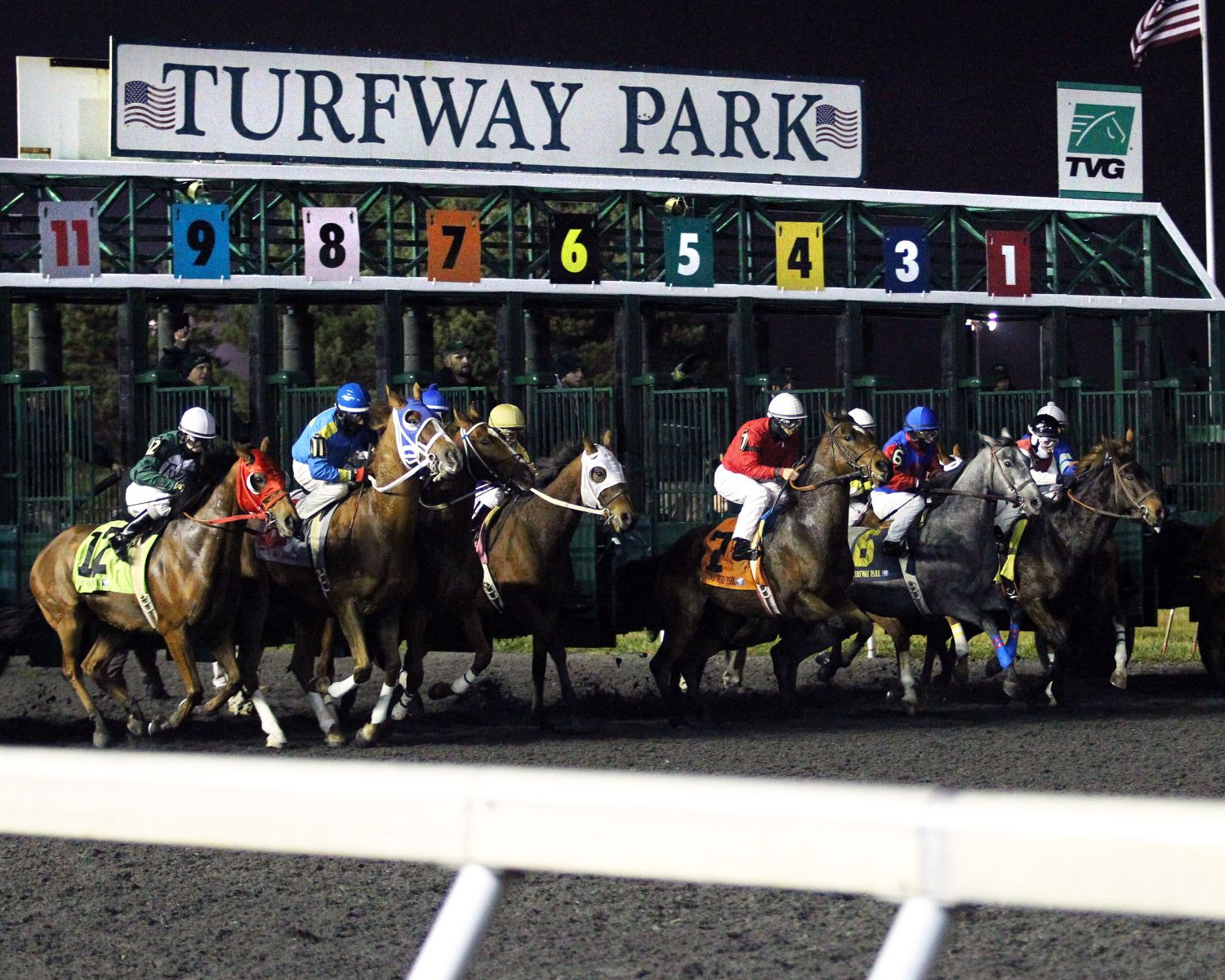 Churchill Downs buys Turfway Park