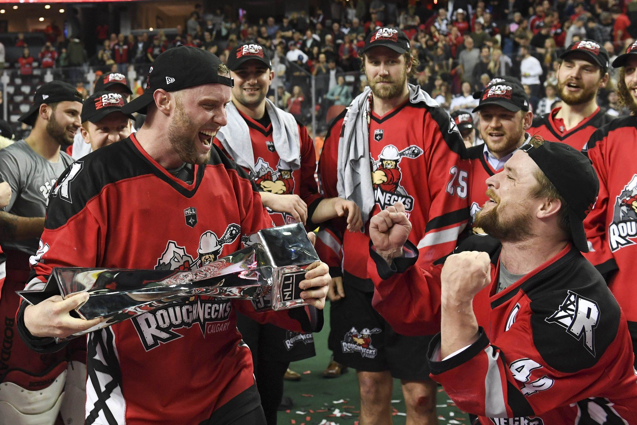 Billionaire major leagues sports owners flock to indoor lacrosse