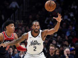 Washington Wizards rookie Rui Hachimura defends LA Clippers star Kawhi Leonard. (Image: Getty)