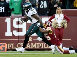 Nigel Bradham scored a last-second defensive touchdown against the Redskins to deliver one of two massive bad beats for oddsmakers on Sunday. (Image: David Maialetti/Philadelphia Inquirer)