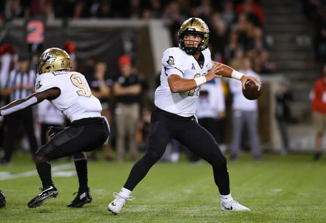 QB Dillon Gabriel is leading a sports betting trend of UCF not covering the spread