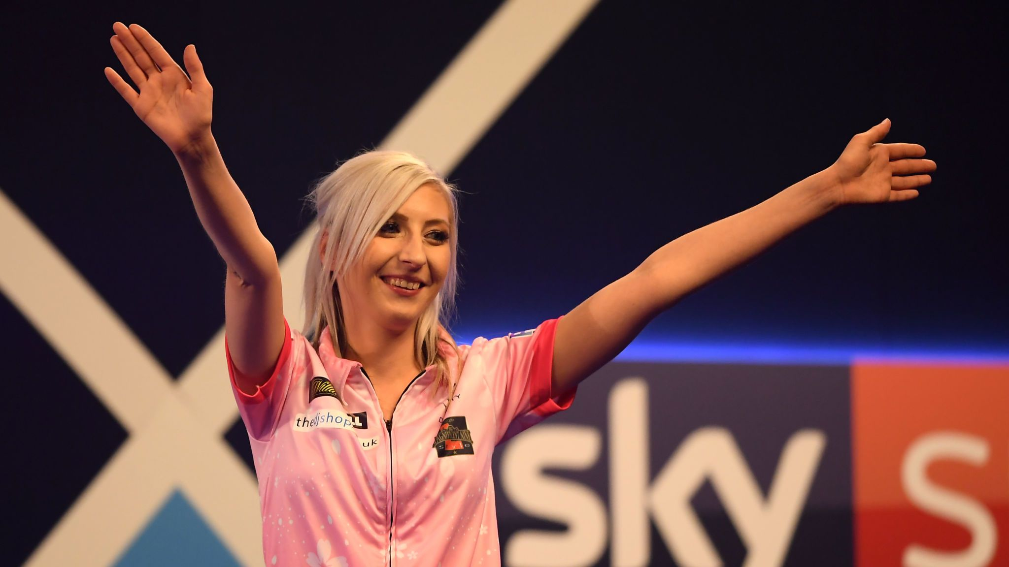 Fallon Sherrock female darts player