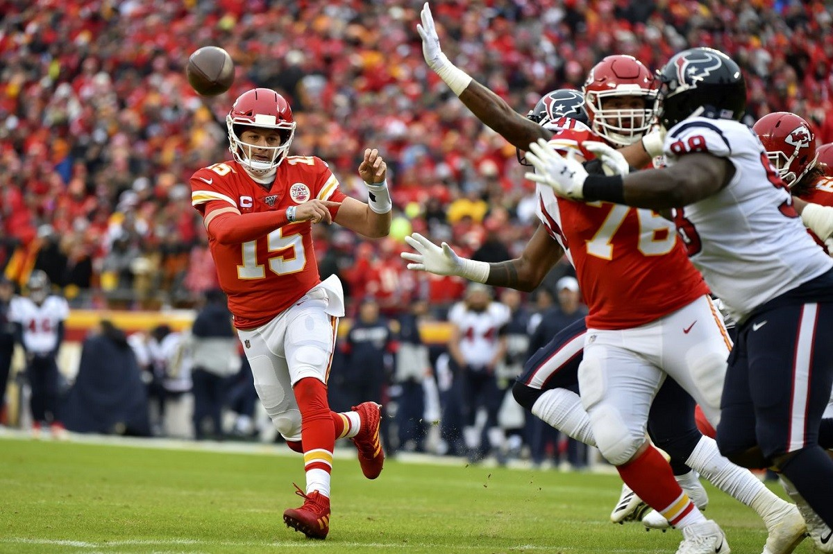 Patrick Mahomes Kansas City Chiefs SUper Bowl odds favorites Green Bay Packers