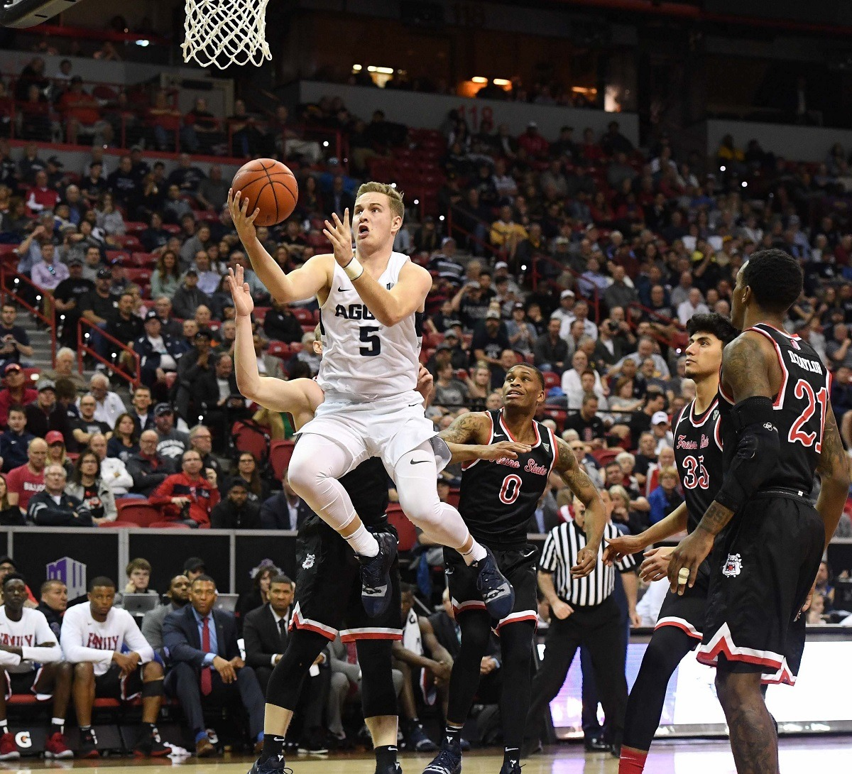 Sam Merrill Utah State Aggies March Madness Bubble Mountain West