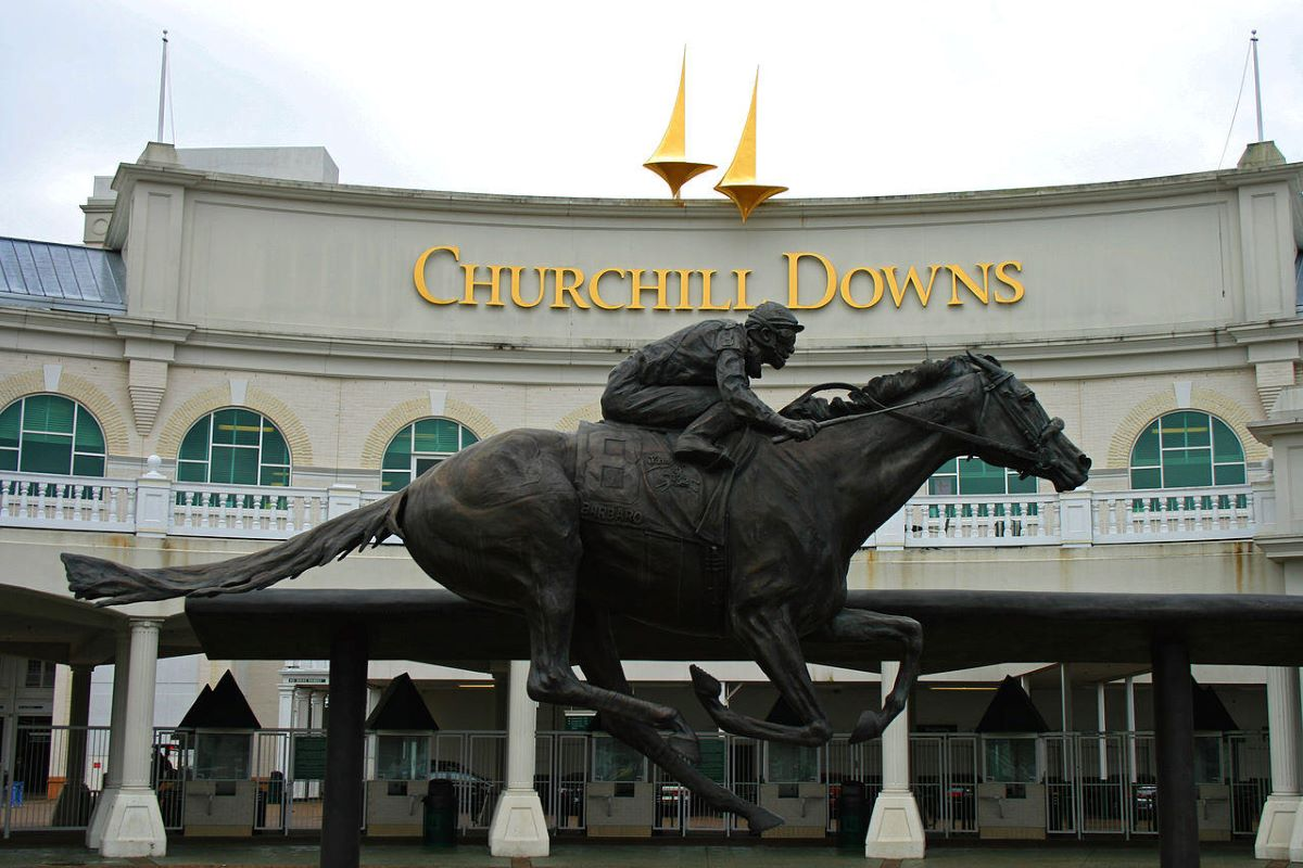 Churchill Downs will be site of Kentucky Derby in September