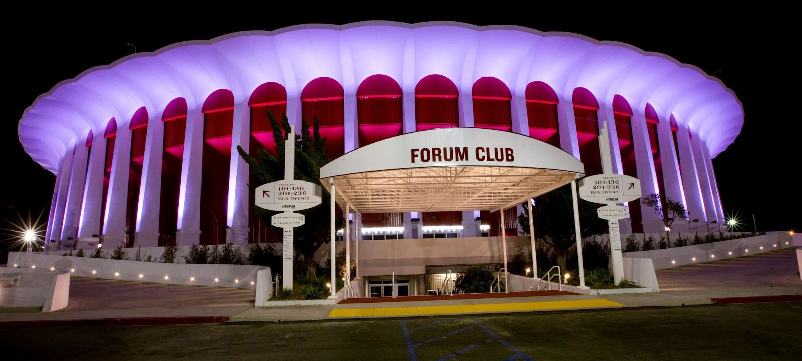 Clippers Owner Steve Ballmer buys the Fourm