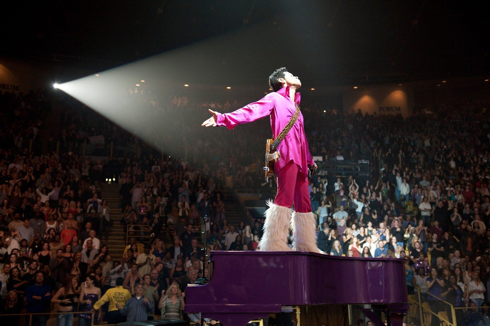 Prince plays the Forum for 21 nights