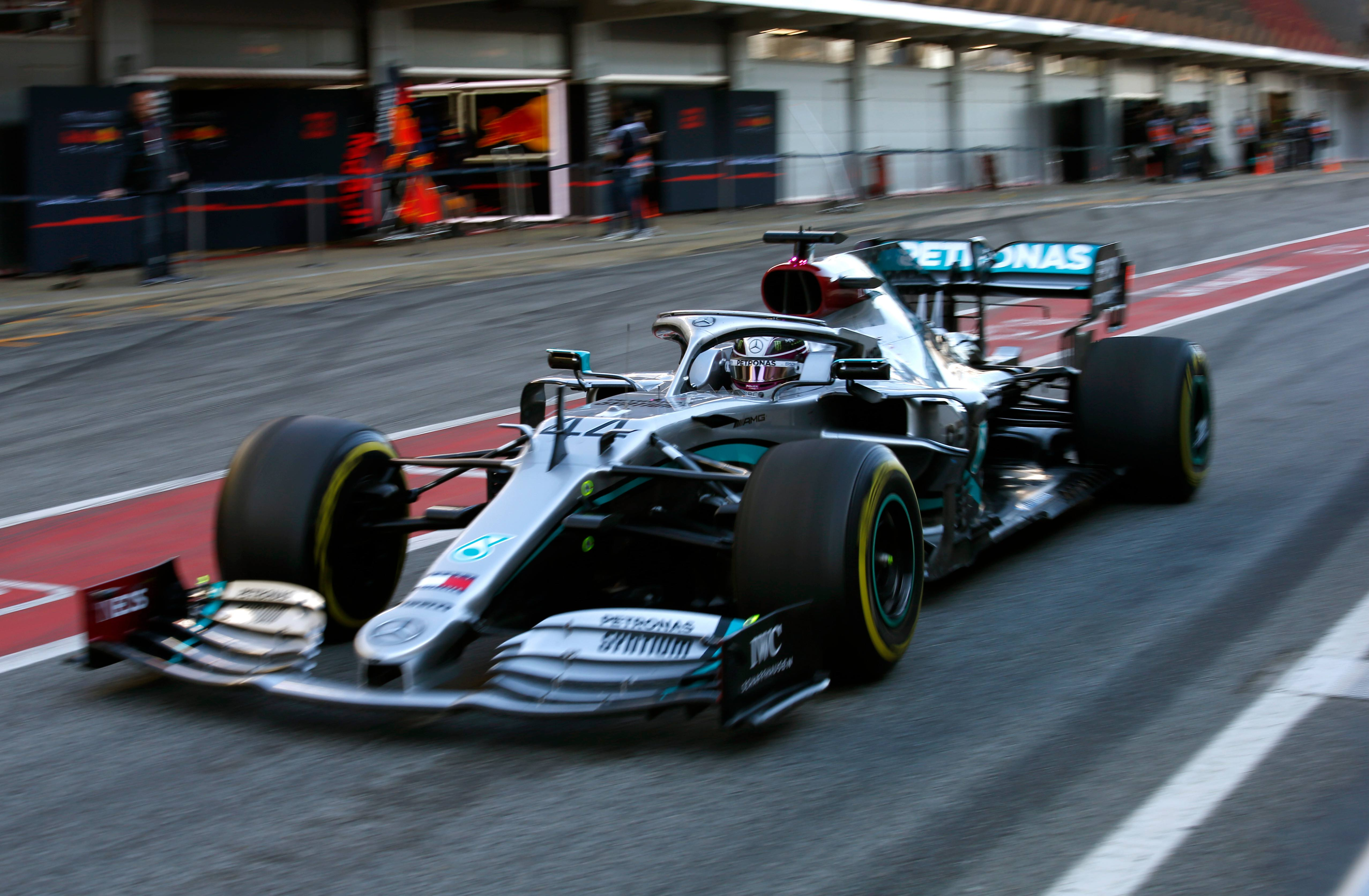 Lewis and Mercedes F1 favorites heading into challenging season