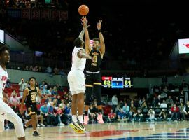 Wichita State guard Dexter Dennis lighting up SMU during a comeback victory in Dallas, TX. (Image: Travis Heying/Wichita Eagle)