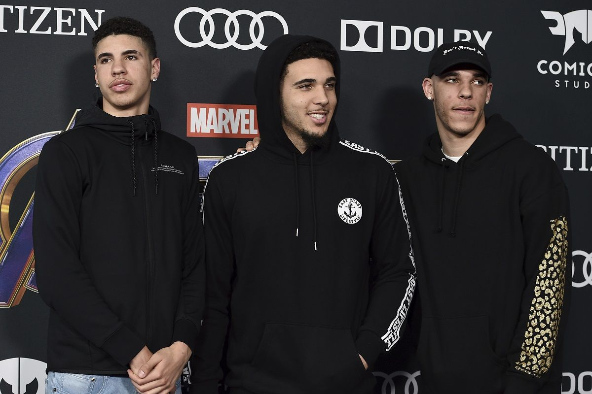 LaMelo Ball Brothers sign Jay-Z Roc Nation Lonzo LeAngelo