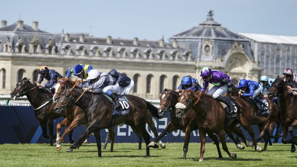 Chantilly-France resumes racing