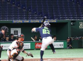 Japanese baseball teams agreed to eliminate interleague play, acknowledging that the NPB season won't begin until at least June. (Image: Rie Ishii/Nikkei Asian Review)