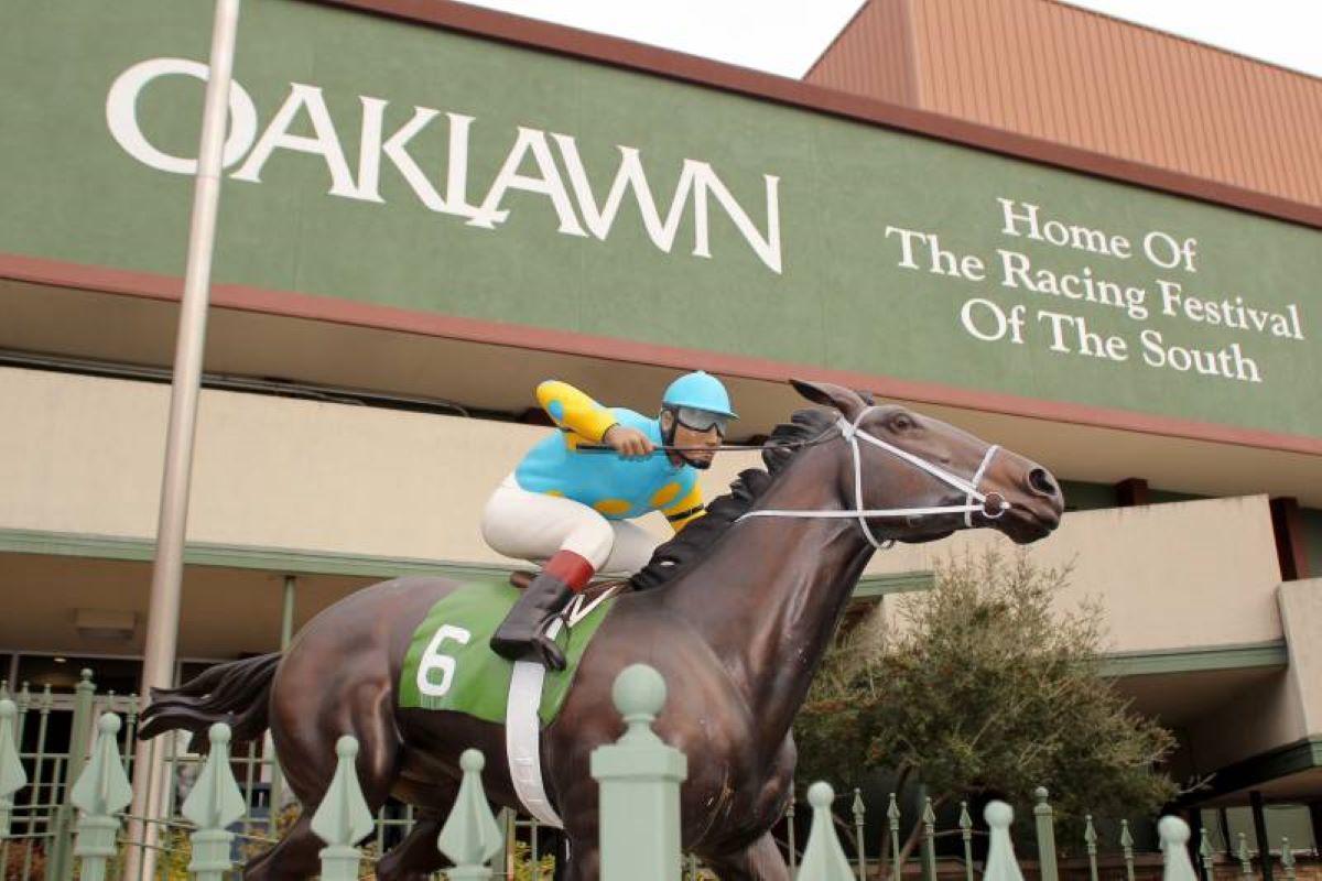 Oaklawn Entrance-Ark Derby