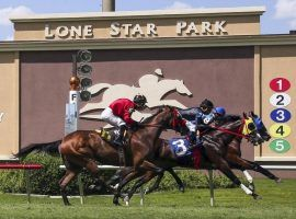 Lone Star Park officials are making a concerted push down the stretch to open Friday. (Image: Richard Rodriguez/Fort Worth Star Telegram)