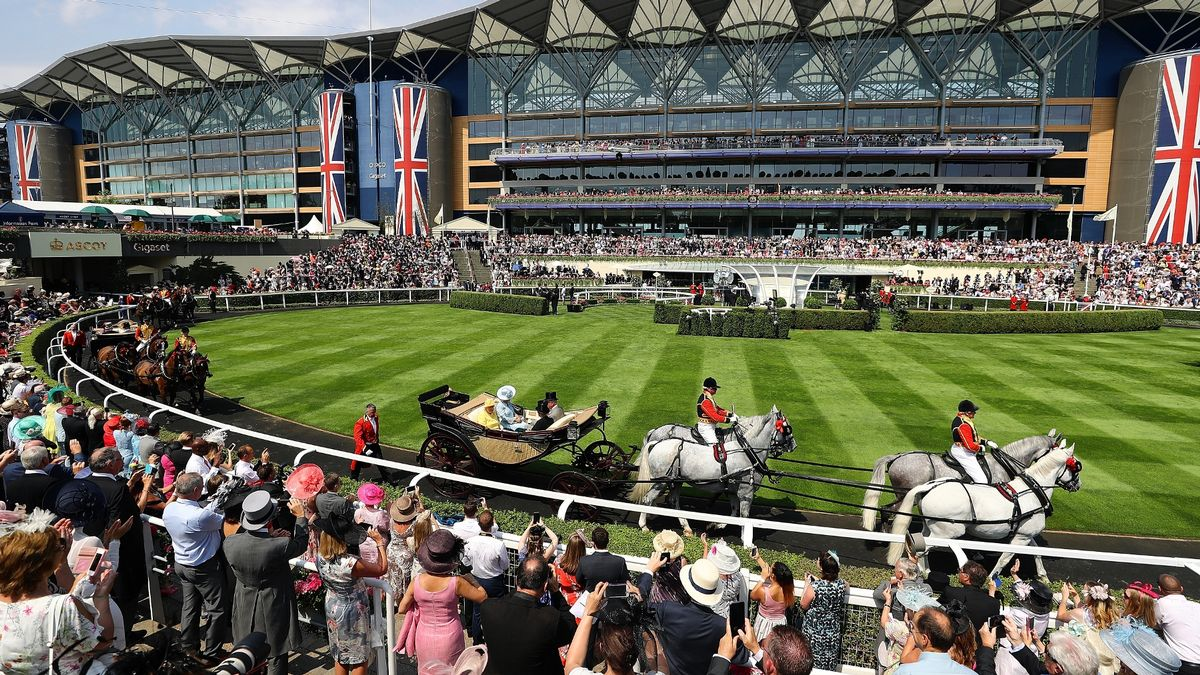 Queen's Royal Ascot Arrival 2017