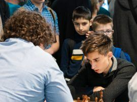 2018 World Rapid Chess Champion Daniil Dubov beat Hikaru Nakamura to win the 2020 Lindores Abbey Rapid Challenge on the Magnus Carlsen Chess Tour. (Image: Lennart Ootes/FIDE)