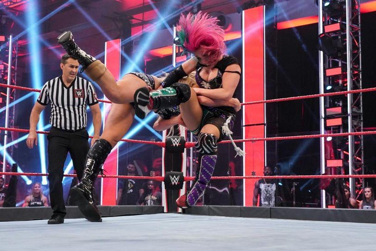 WWE taping masks COVID-19