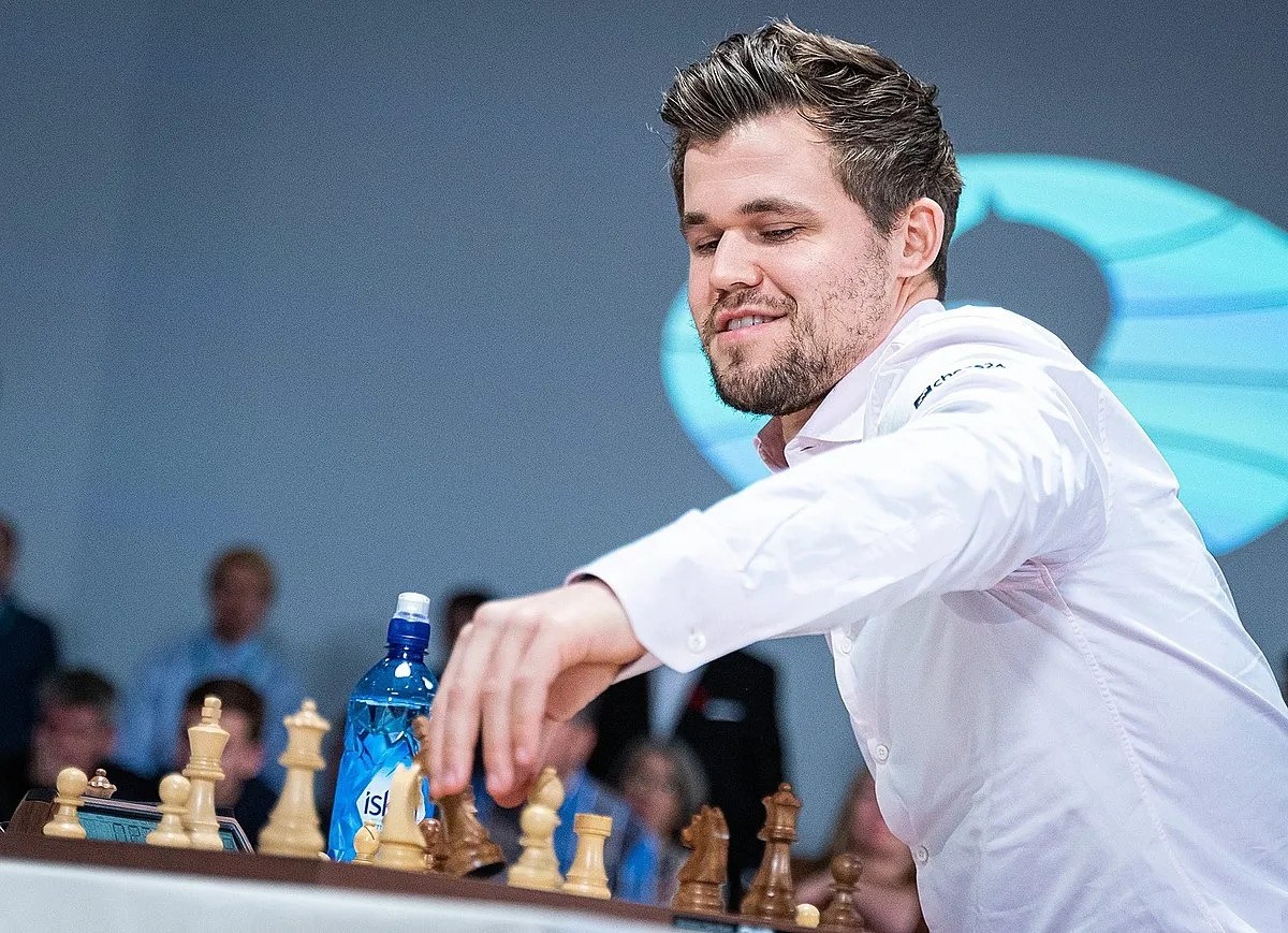 Lennart Ootes/FIDE) Caption 2: Magnus Carlsen Chessable Masters