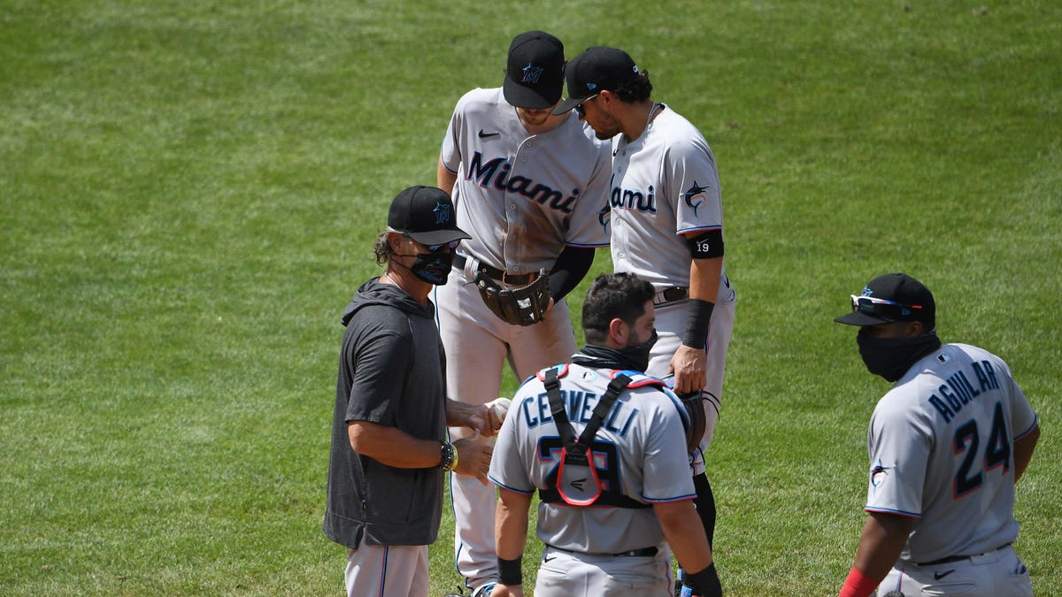 Marlins COVID-19 outbreak Manfred